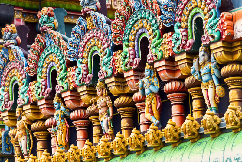 Travail de détail dans Gopuram, temple hindou Kapaleeshwarar , Chennai, T photo stock