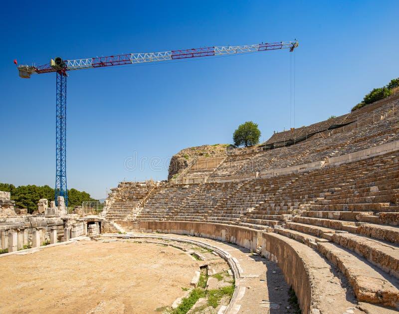 Travail de reconstruction chez l'Ephesus antique photographie stock libre de droits