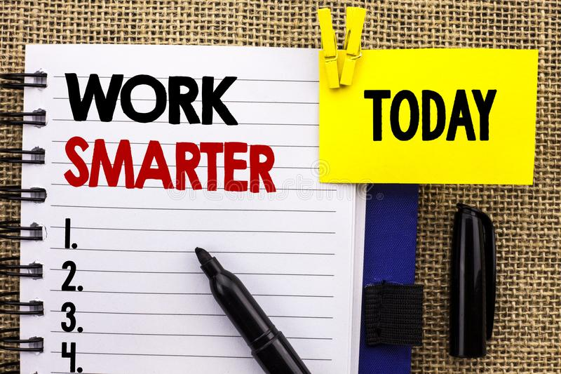Travail des textes d'écriture de Word plus futé Concept d'affaires pour Job Task Effective Faster Method intelligent efficace écr image stock
