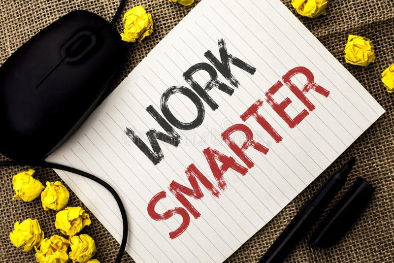 Travail des textes d'écriture de Word plus futé Concept d'affaires pour Job Task Effective Faster Method intelligent efficace écr photo libre de droits