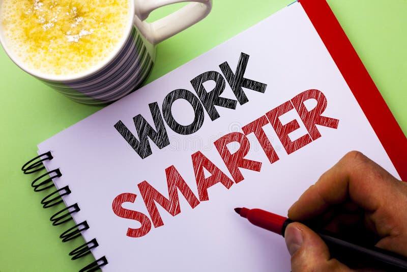 Travail des textes d'écriture de Word plus futé Concept d'affaires pour Job Task Effective Faster Method intelligent efficace écr photos libres de droits