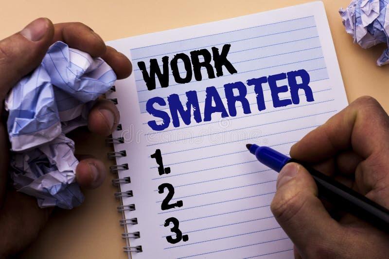 Travail des textes d'écriture plus futé Concept signifiant Job Task Effective Faster Method intelligent efficace écrit par l'homm image libre de droits