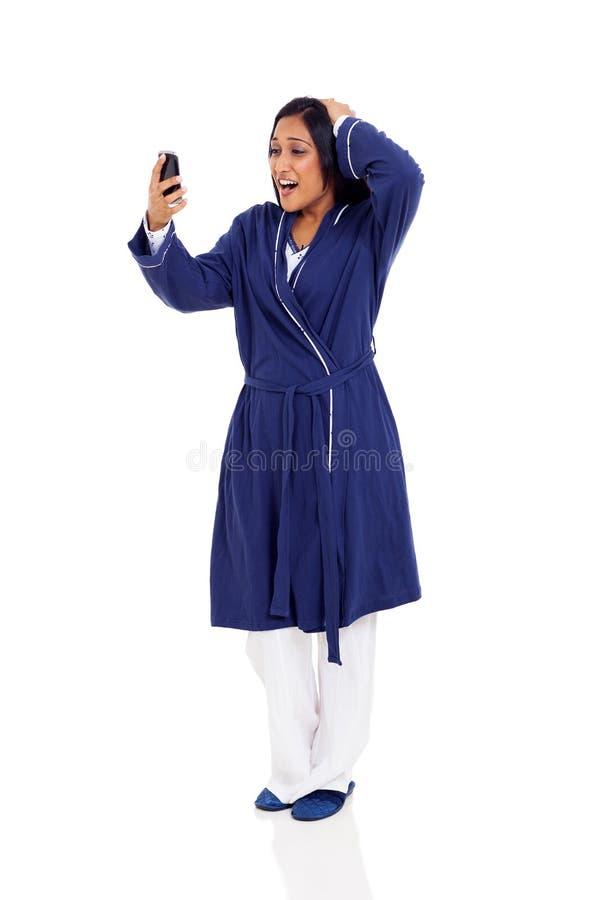Travail en retard de femme photos stock