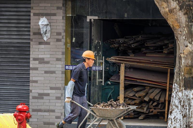Travailler de travailleurs migrants images stock
