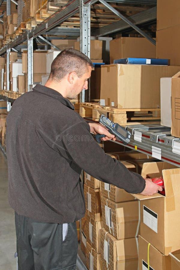 travailleur d'entrepôt images stock