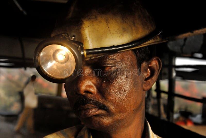 Travailleur d'Inde de charbon photographie stock libre de droits