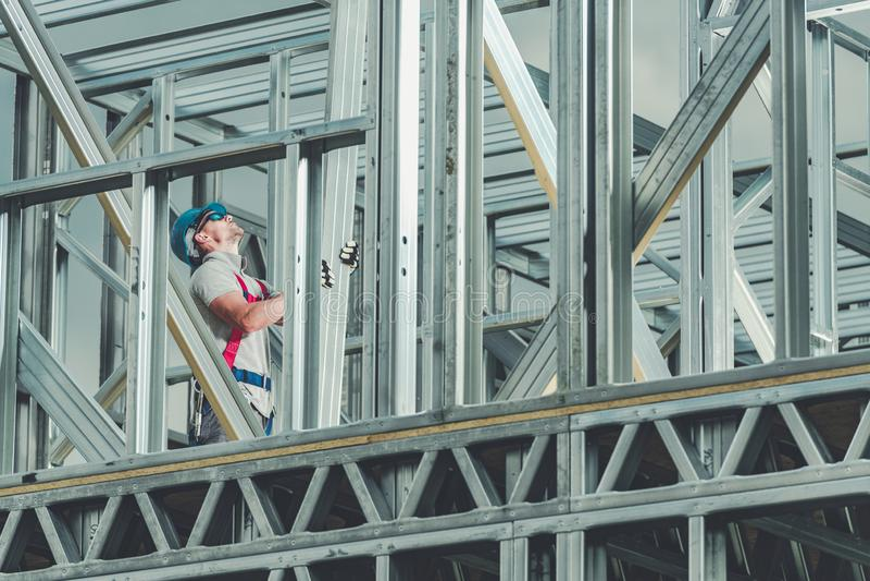 Travailleur de la construction en service images stock
