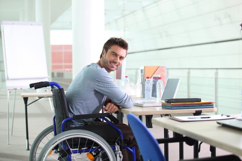 Travailleur handicapé image libre de droits