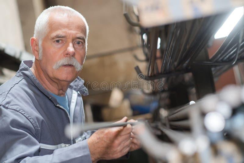 Travailleur supérieur de métallurgie de portrait images libres de droits