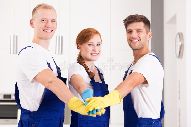 Travailleurs domestiques portant des uniformes photo libre de droits