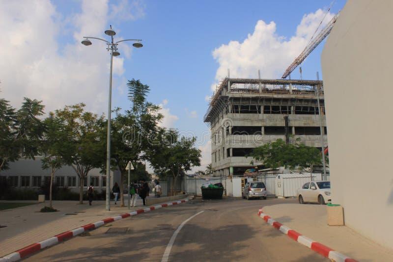 Travaux de construction dans le campus universitaire de bière-Sheva image stock