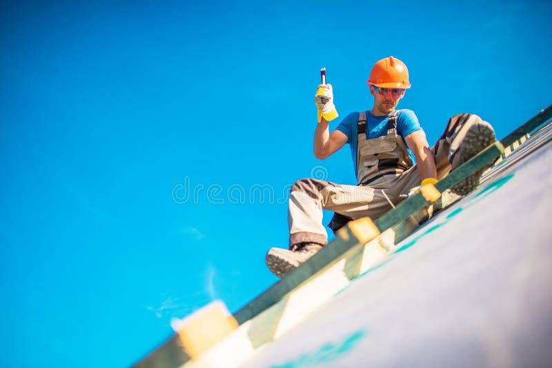 Travaux de construction de toit de Chambre photographie stock libre de droits