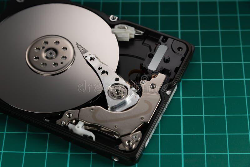 travaux forcés d'unité de disques ouverts Le concept du stockage de données rangée de données Grandes données image stock
