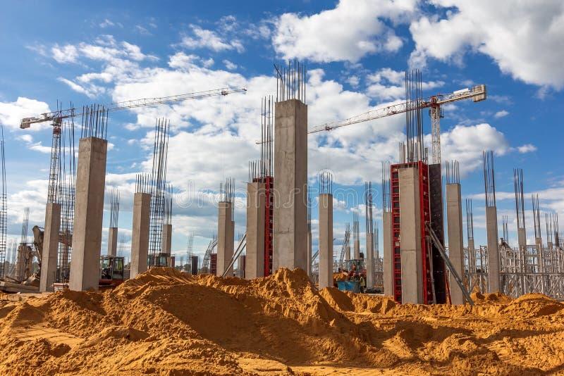 Travaux sur le chantier de construction image stock