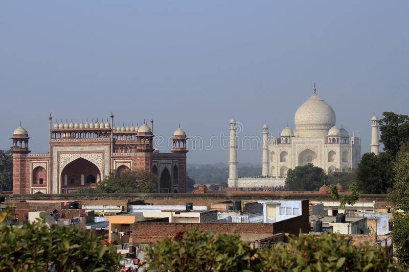 Download Travel India: Taj Mahal And South Gate In Agra Stock Image - Image: 28937447