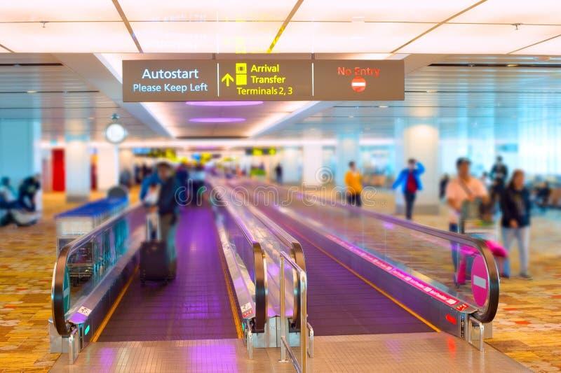 Travelator do aeroporto de Singapura foto de stock