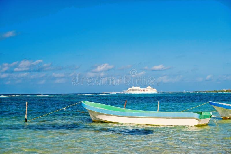 travelling barco y nave en Costa Maya, México foto de archivo libre de regalías