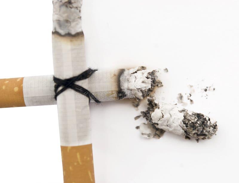 Traversa della sigaretta fotografie stock