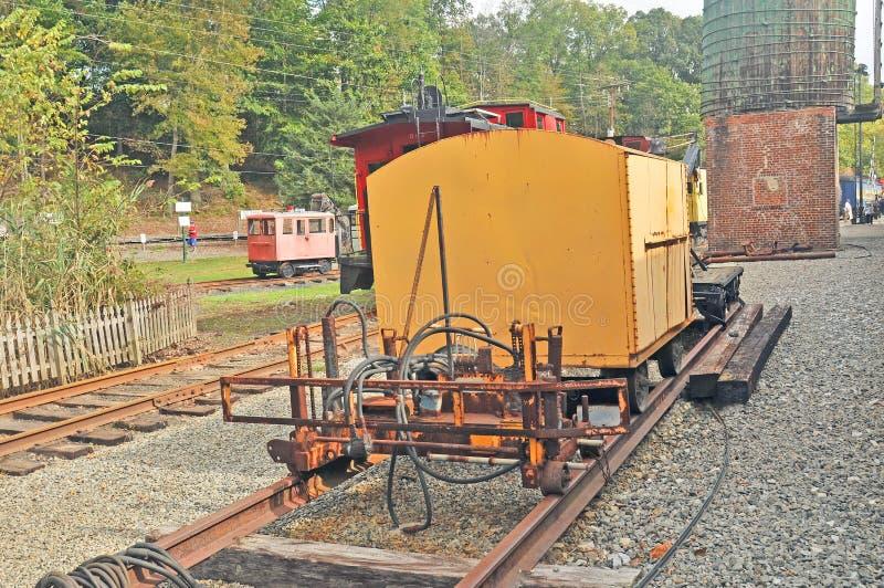 Traverse et voiture de réparation de rail photo libre de droits