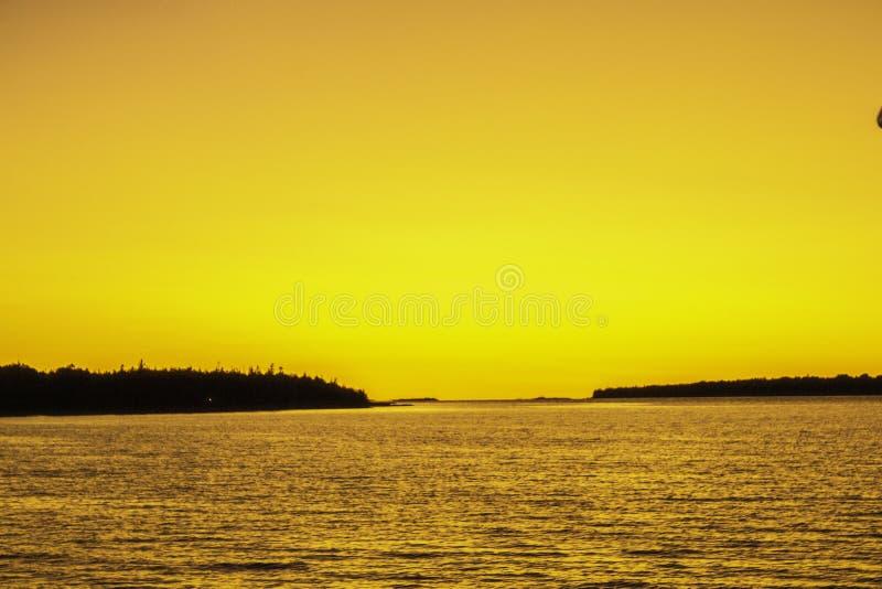 Travesía de la puesta del sol en la bahía georgiana fotografía de archivo
