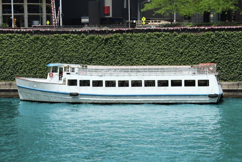 Travesía del barco de río fotografía de archivo libre de regalías