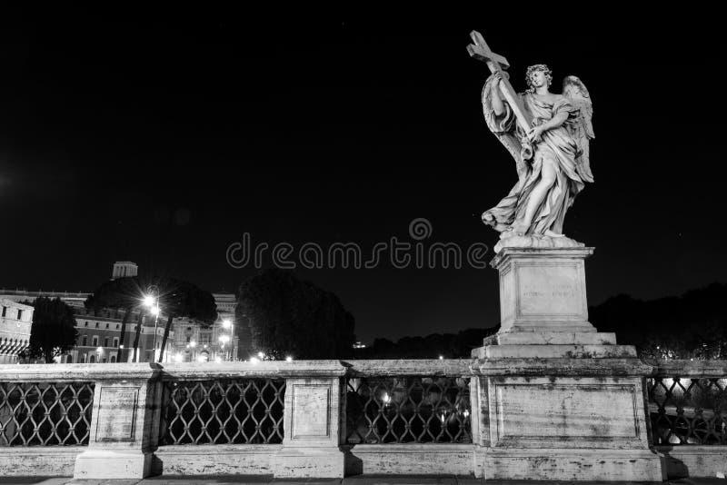 Travesía del puente de Ángel del ` de Ponte Sant foto de archivo libre de regalías