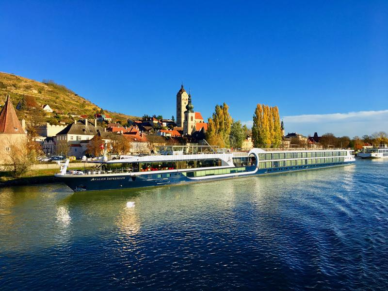 Travesía del río Danubio en Austria fotos de archivo libres de regalías