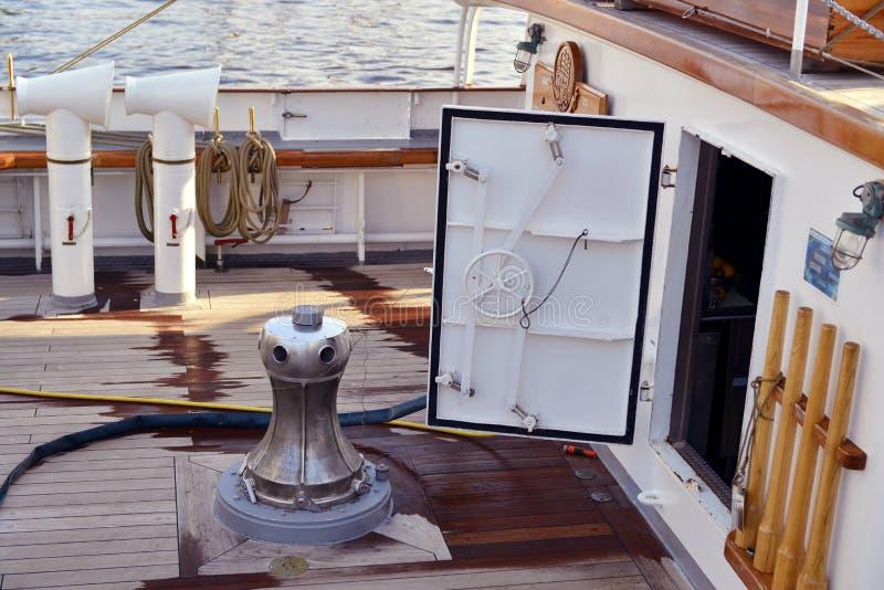 Travesía del yate del mar imagen de archivo libre de regalías