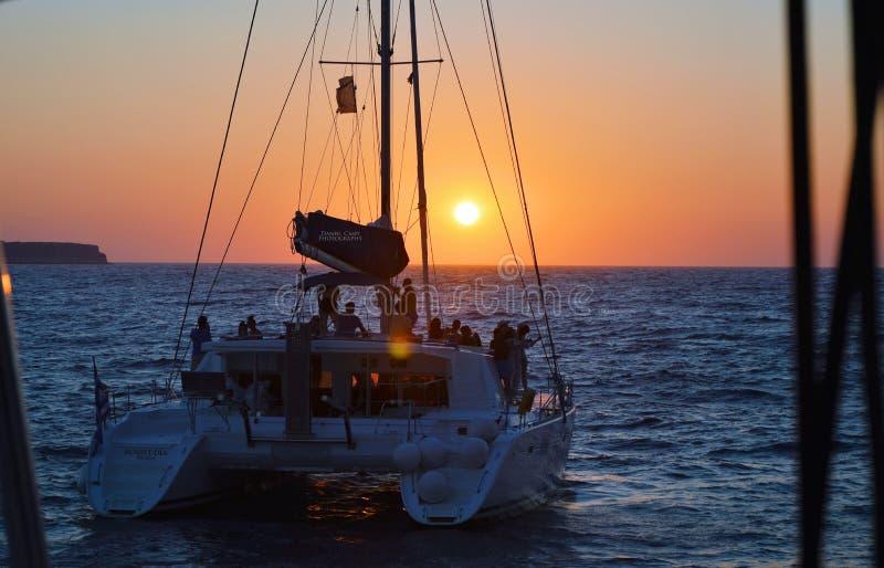 Travesía romántica de la puesta del sol imágenes de archivo libres de regalías