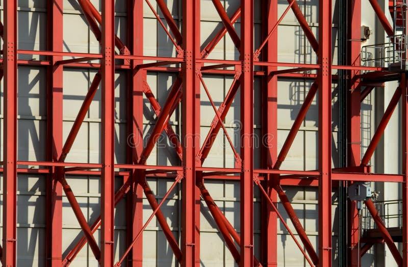 Travi di acciaio rosse fotografie stock libere da diritti