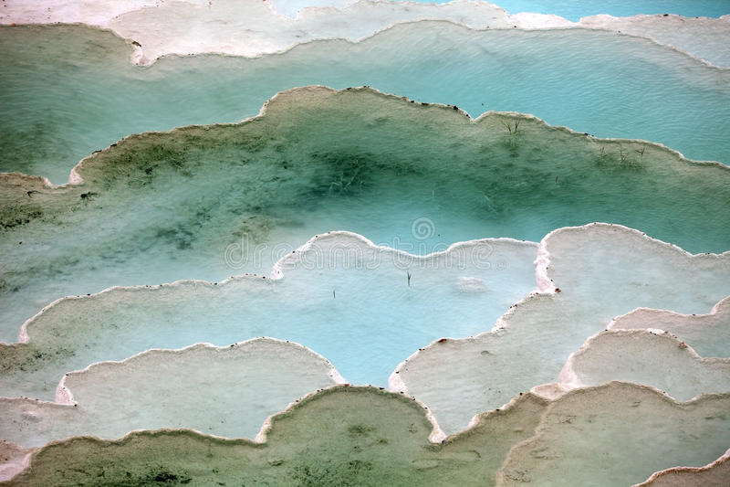 Trawertynów tarasy w Pamukkale i baseny fotografia royalty free