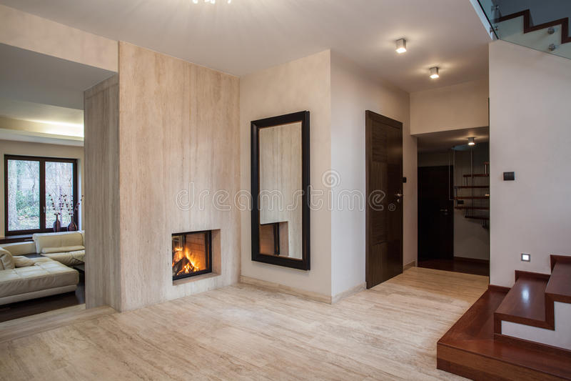 Trawertynu dom: korytarz obrazy royalty free