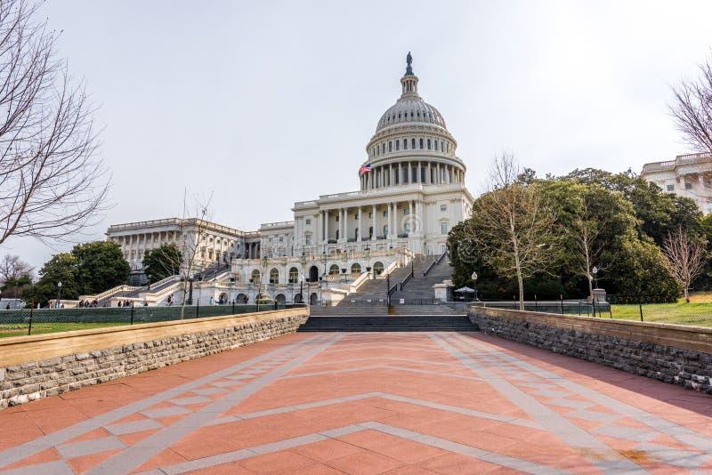 Trayectoria a los pasos de Capitol Hill imagen de archivo libre de regalías