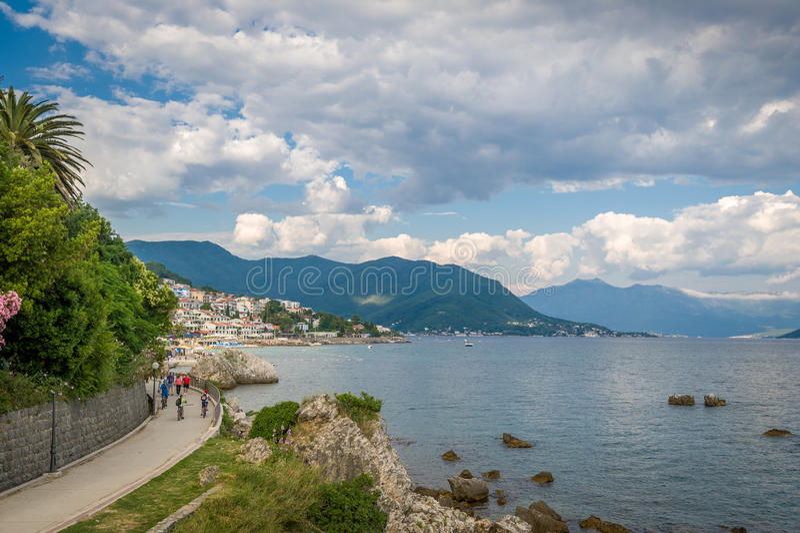 Trayectoria peatonal en Herceg Novi imagenes de archivo