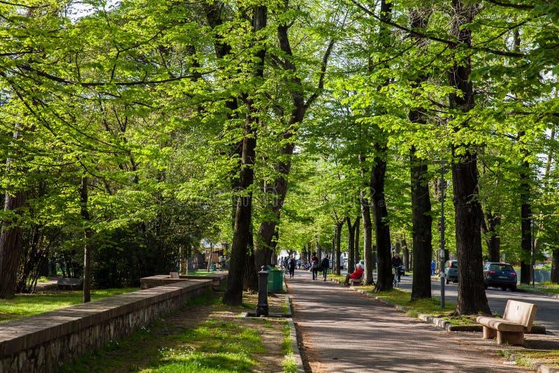 Trayectoria que camina y biking del delle Piagge de Viale una calle situada en las cercanías del este del imagen de archivo libre de regalías