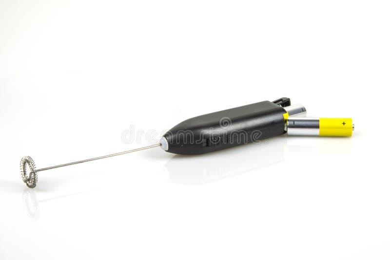 Trayez Frother avec des batteries d'aa pour isoler sur le fond blanc photos stock