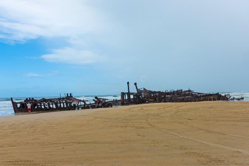 Trazador de líneas naufragado S S Maheno en la costa de Fraser Island en Queensland, Australia imagen de archivo libre de regalías