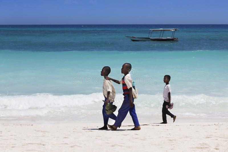 Tre afrikanska pojkar royaltyfri fotografi