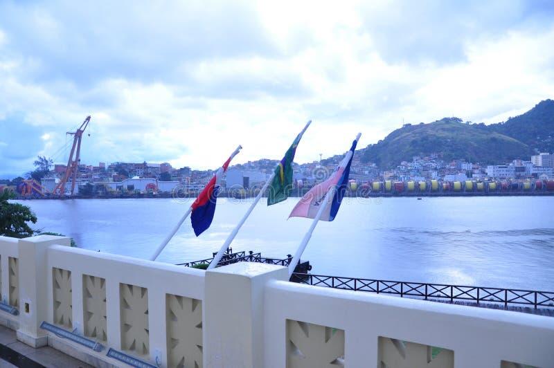 Tre bandiere che rappresentano l'ordine fotografie stock libere da diritti