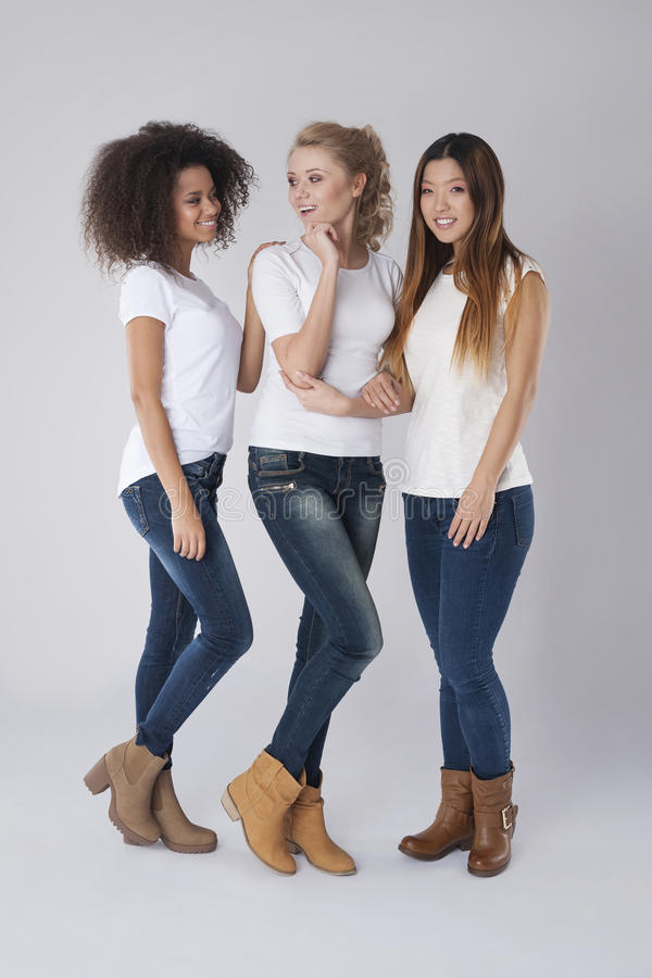 Tre belle donne immagine stock libera da diritti