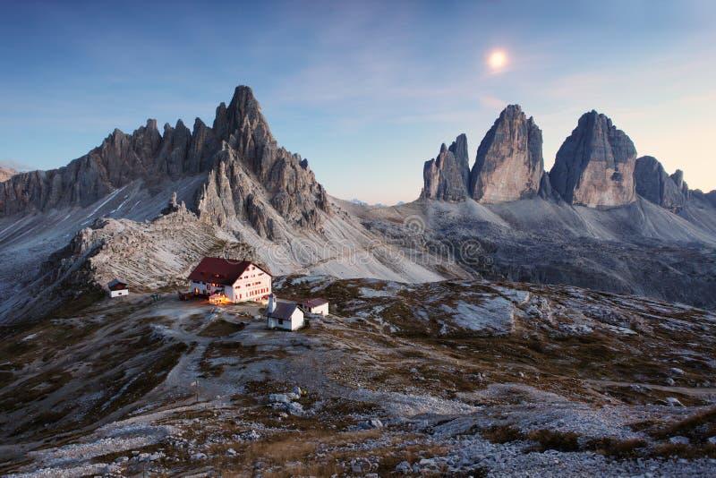 tre Cime di Lavaredo -白云岩阿尔卑斯 免版税库存照片