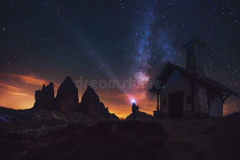 Tre Cime di Lavaredo alla notte nelle dolomia in Italia, Europa fotografia stock