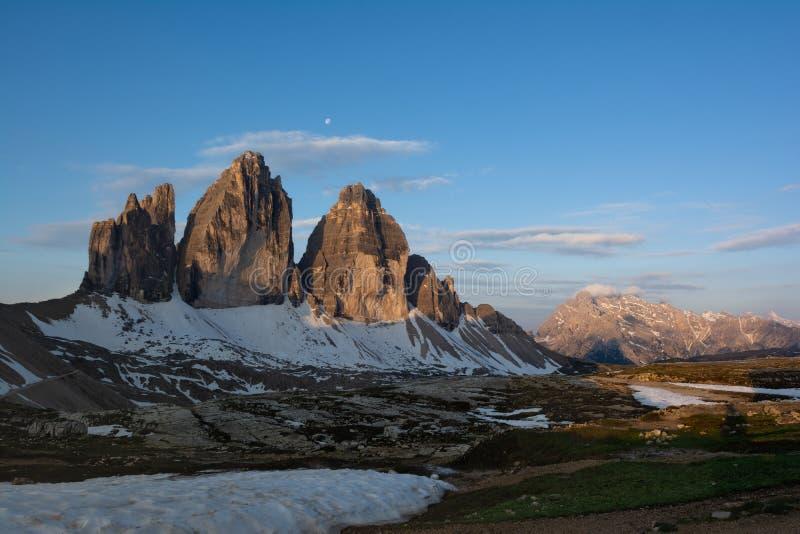 Tre Cime di Lavaredo bei Sonnenaufgang Sesto Dolomites, Italien lizenzfreies stockbild