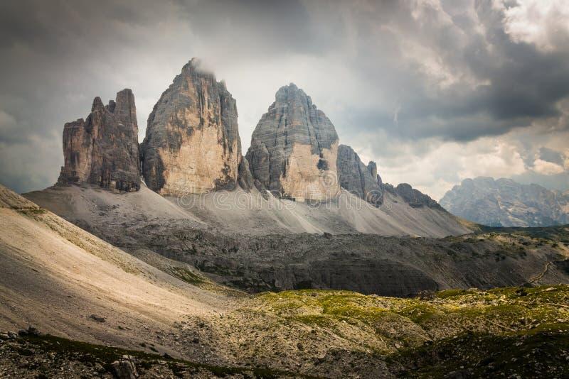 Tre Cime di Lavaredo in den italienischen Dolomit lizenzfreies stockbild