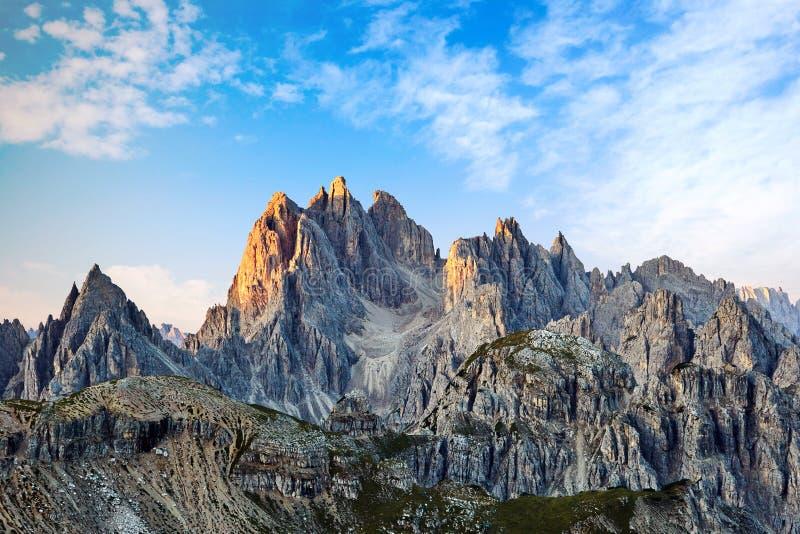 Tre Cime di Lavaredo maximum på solnedgången arkivfoton