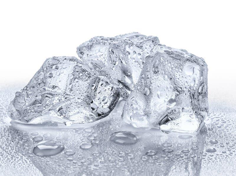 Tre cubi di ghiaccio immagini stock libere da diritti