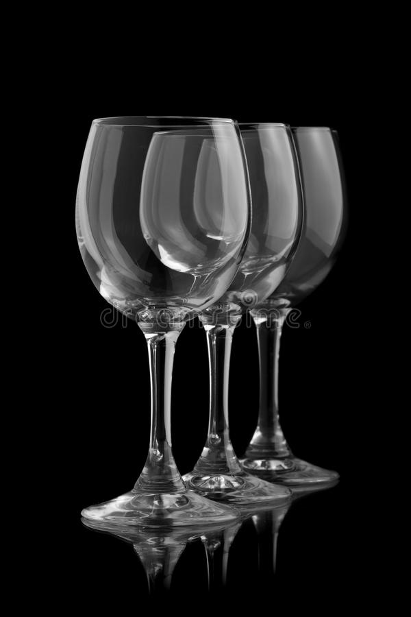 Tre eleganta vinexponeringsglas royaltyfri bild