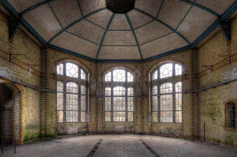 tre fönster arkivfoto