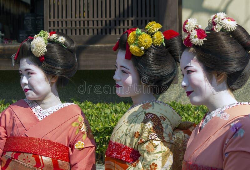 Tre geishas arkivfoton