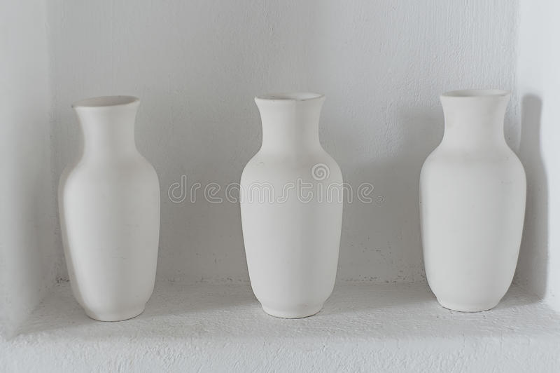 Tre lanciatori semplici bianchi immagini stock